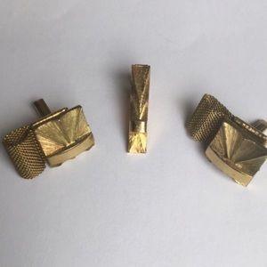 👔3/$40👔 Vintage gold cuff link set